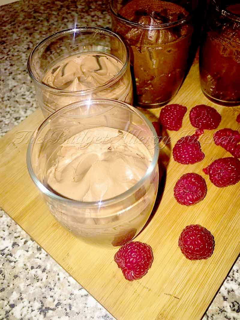Best-Valentine's-Day-Vegan-Chocolate-Mousse