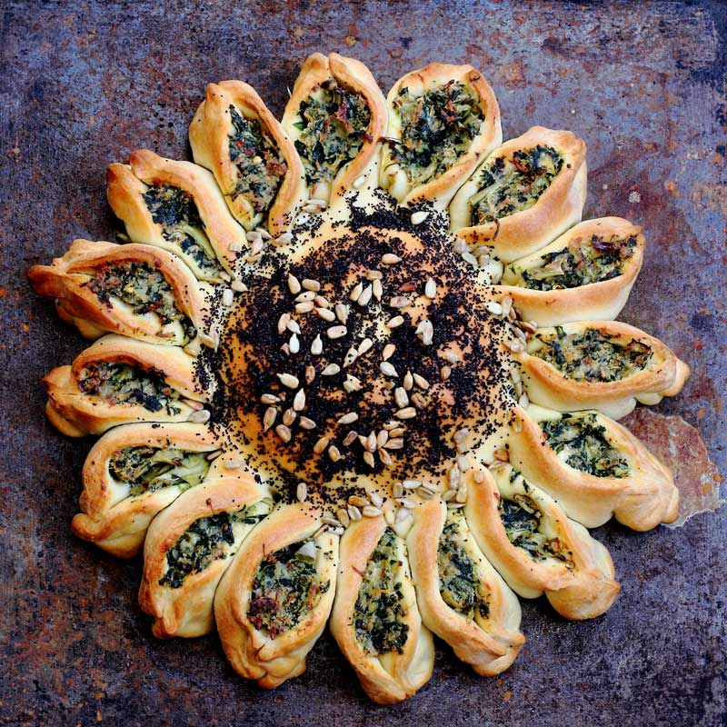 Beautiful Spinach and Artichoke bread pull apart recipe