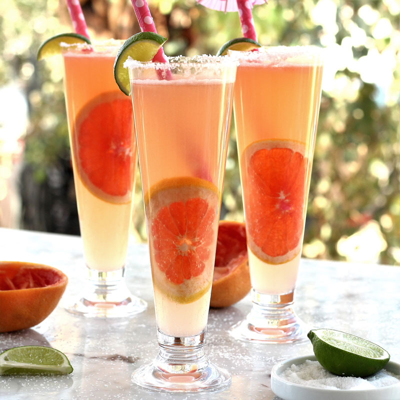 Summer In A Glass: Refreshing Grapefruit Tequila Spritzer